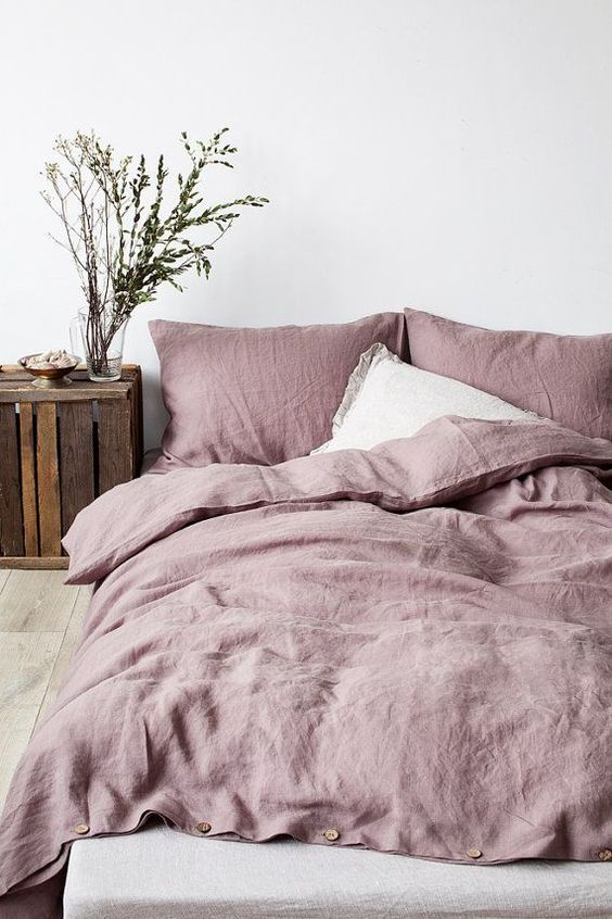 minimal_bedroom_pink